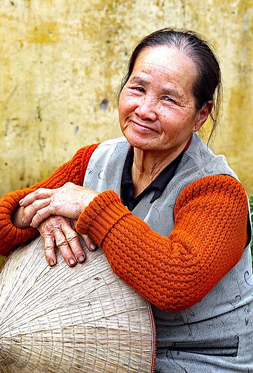 IMAGE: https://ybconway.smugmug.com/Vietnam-2015/i-t2rgrVg/0/XL/V%20Women2-XL.jpg